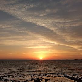 Wonder skies by Srivenkata Subramanian - Landscapes Sunsets & Sunrises ( orange, diu, arabian sea, blue, clear, skies, india, gujarat, sea, sunset. )