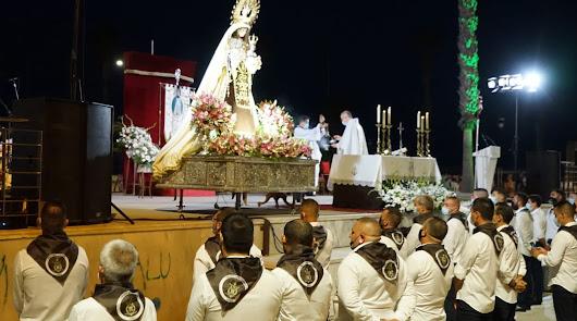 Adra honra a la Virgen del Carmen con una misa y fuegos artificiales