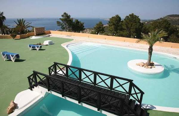 Cala Vadella Resort