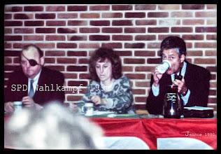 Photo: Demokratische Wahlen 1990 in der DDR mit Björn Engholm