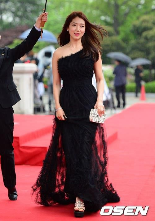 shinhye gown 11