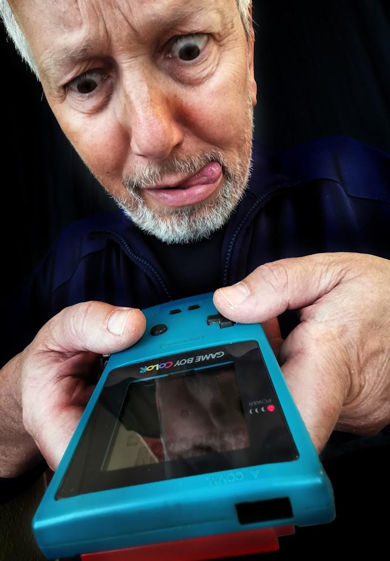 Game Boy color...autoritratto di Alberto_Caselli