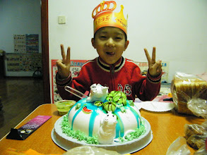 Photo: baby son, warrenzh, 朱楚甲 enjoy his cake after a day spent in his dad, benzrad's QRRS dorm.