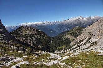 Photo: sullo sfondo val Genova Adamello e Presanella adx