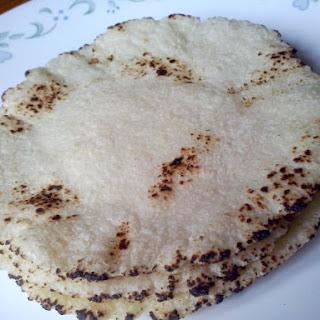 Sooji ki Roti (Rawa / Semolina Roti)