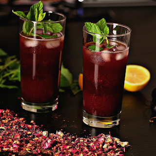 Cherry Hibiscus Tea With Mint