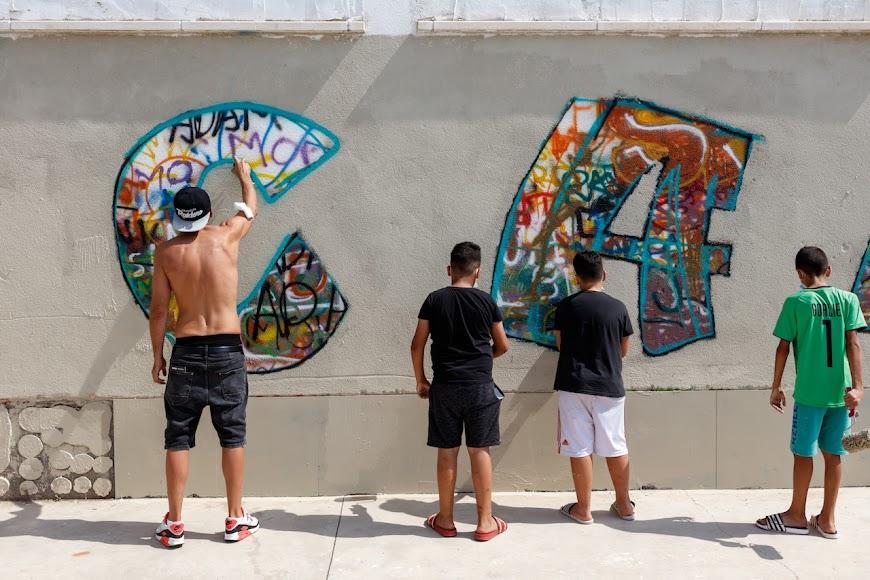 Stook guio el trabajo de los jóvenes de El Puche.