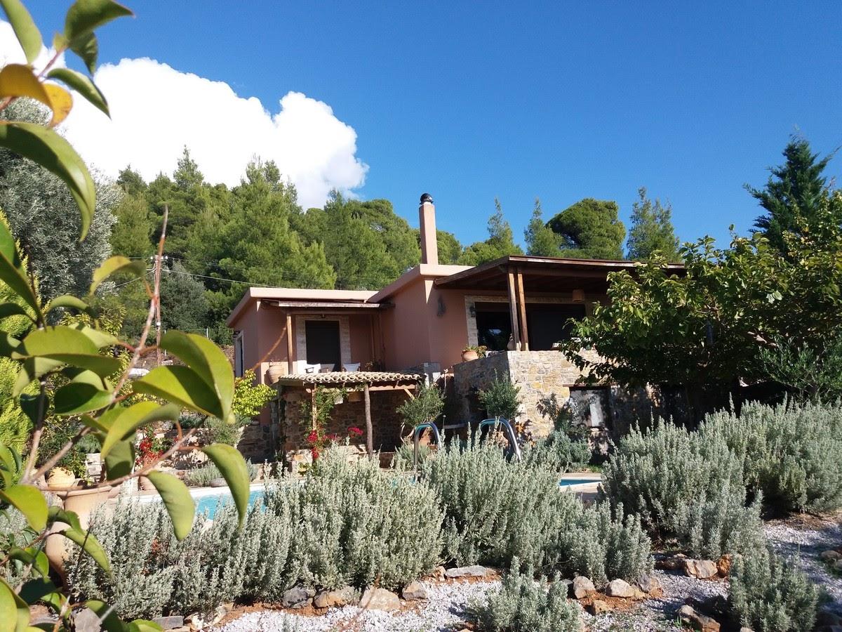 Evia Fox House, Evia