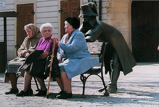 Photo: Bratislava (Slovakia) - Chiacchierata intima / Small talk unseen