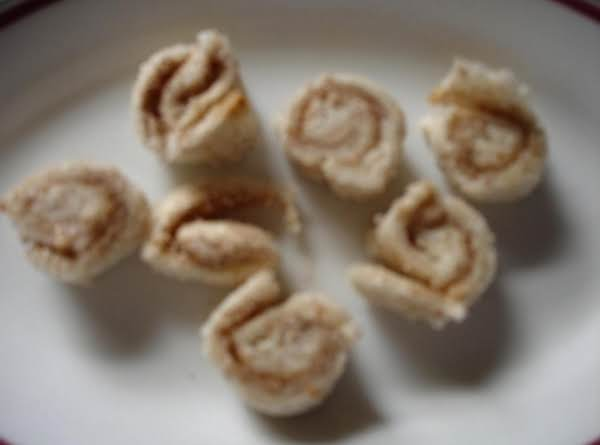 Easy Little Cinnamon Rolls For Kids!