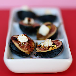Recipe for Fresh Figs with Honey, Balsamic, Goat Cheese and Pistachios