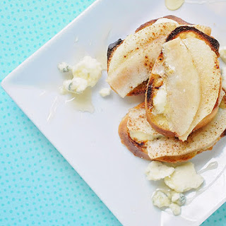 Pear-Gorgonzola Crostini Appetizer Recipe