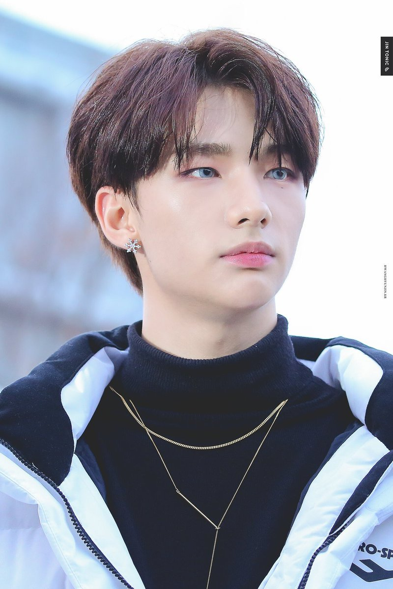 Stray Kids Pretty Boy Hyunjin.jpg 2