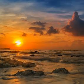 Sunset..... by RIO DJOENED - Landscapes Sunsets & Sunrises