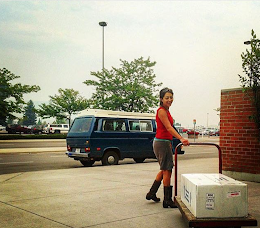 Capt'n Melissa from Missoula at the pick up! AK Air cargo has carts for carrying fish & close-in parking.