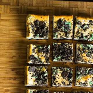 Mint Cookie Cheesecake Bars (adapted from The Recipe Critic)