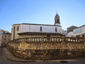 Photo: Entrando en´´ A Fonsagrada¨´  fin de la Etapa  nos encontramos con la Iglesia de Santa María , en cuyo interior  se encontraba la Fontem Sagrada   que daría nombre al pueblo .
