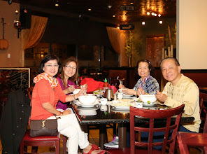Photo: Đươc anh chị Tự dẫn đi ăn phở Hòa