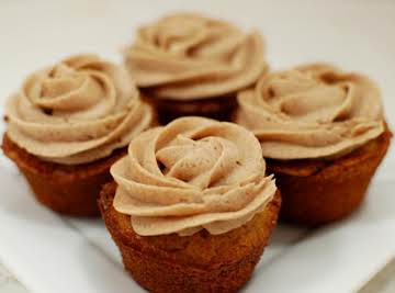 SNICKERDOODLE CUPCAKES W/CINNAMON BUTTERCREAM FROSTING