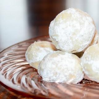 Pecan Butter Balls Cookie