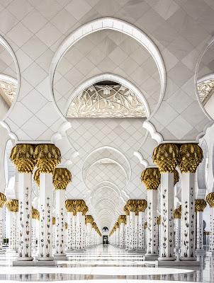 Sheikh Zayed Grand Mosque, Abu Dhabi di Giuseppe Cristofalo