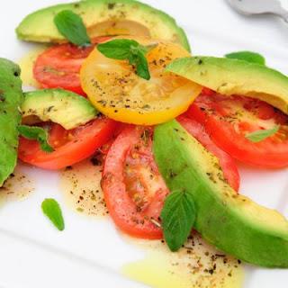 Simple Avocado and Tomato Salad Recipe