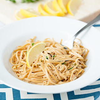 Skinny Linguine With White Clam Sauce