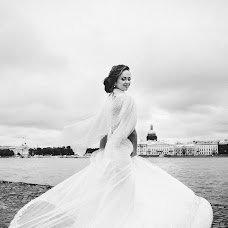 Wedding photographer Nika Kasharnova (nikapic94). Photo of 07.10.2017