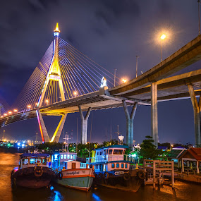 Silent night by Waraphorn Aphai - City,  Street & Park  City Parks ( dark night, city scape, samut prakan, silent night, bhumibol bridge, landscape )