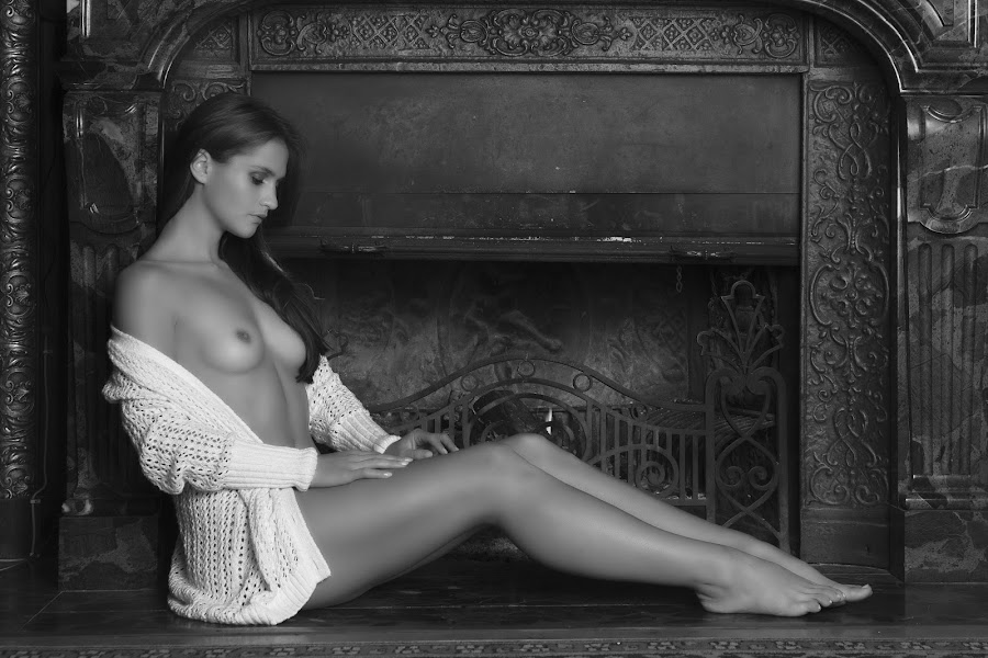 fire place by Carl0s Dennis - Nudes & Boudoir Artistic Nude ( fire place, nude, indoor,  )