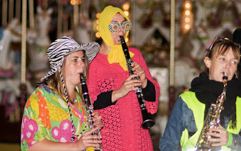 Photo: colorful musicians
