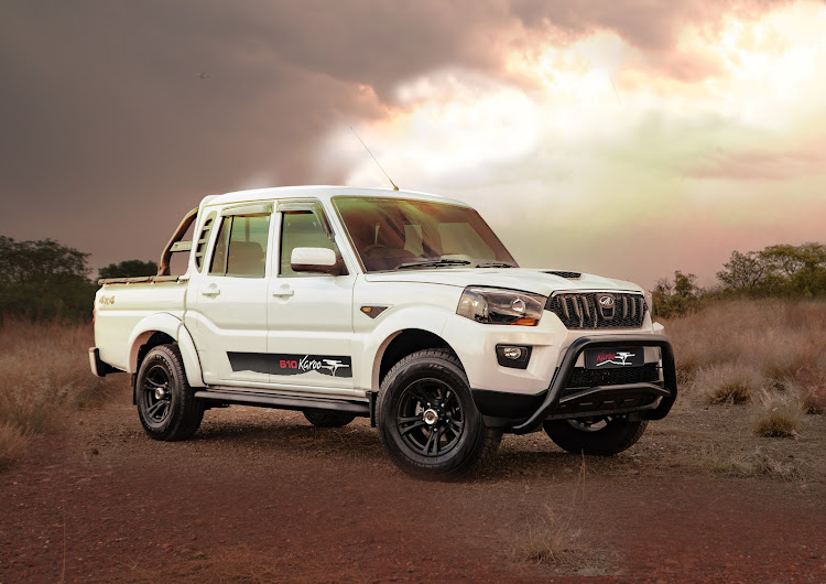 Mahindra joins the blacked-out bakkie trend with black off-road alloy wheels, a dark nudge bar and a dark roll bar. Pic: SUPPLIED