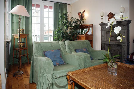 st germain serviced apartment living area