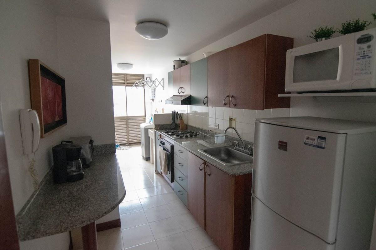 apartamento en arriendo poblado 585-22228