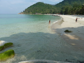 Photo: Ko Phangan - Haad Khuat (Bottle beach), beautiful water, good for swiming without rocks (far from bank), only few accommodations, but very isolated (but with AIS mobile signal from Thong Nai Pan BTS)
