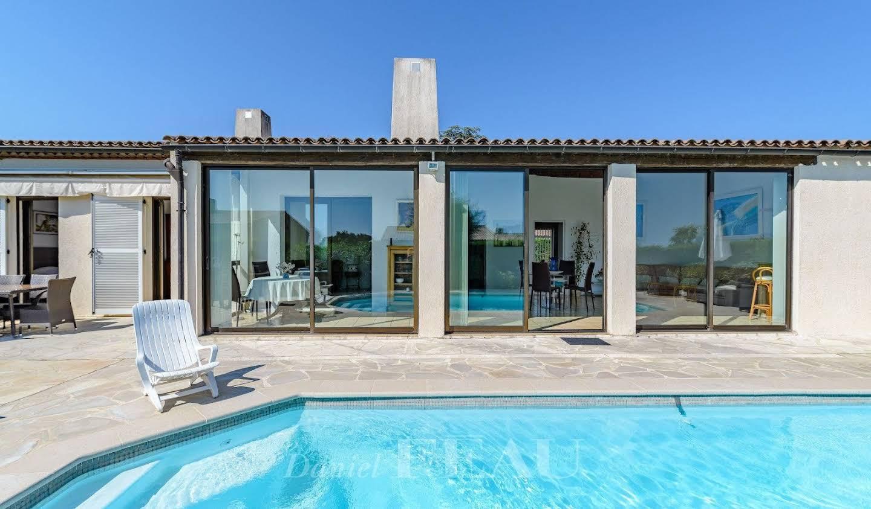 Villa with pool Villeneuve-Loubet