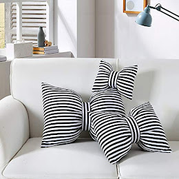 Perna decorativa, in forma de fundita, dungi alb-negru, 50 x 35 x 10 cm