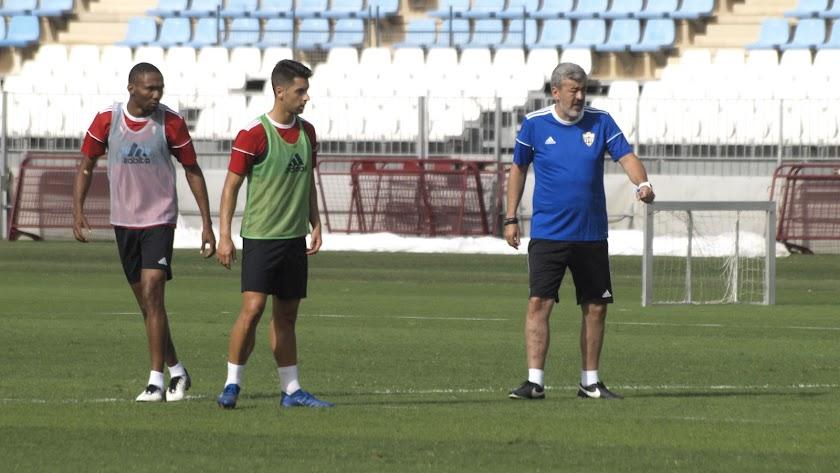 Óscar Fernández en el entrenamiento de este viernes.