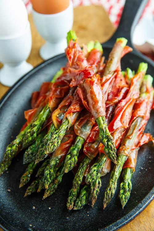 Crispy Prosciutto Wrapped Asparagus Fries This is one of our favorite flavor...