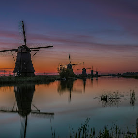 Sunrise windmills Kinderdijk by Henk Smit - Landscapes Sunsets & Sunrises