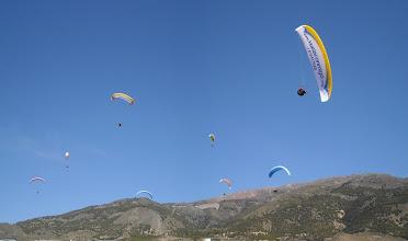 Photo: Castala (Almería) 25 feb. Aterrizaje. es un fotomontaje, con tres velas repetidas.