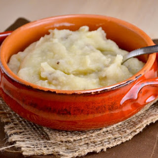 Crockpot Garlic Mashed Potatoes