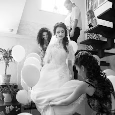 Wedding photographer Larisa Zelenaya (LarisaZelenaia). Photo of 15.02.2015
