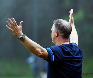 """John van den Brom amer après la défaite de Genk : """"Nous étions la seule équipe qui jouait au football"""""""