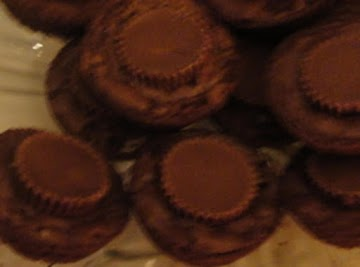 Mini Peanut Butter Cup Brownie Bites Recipe