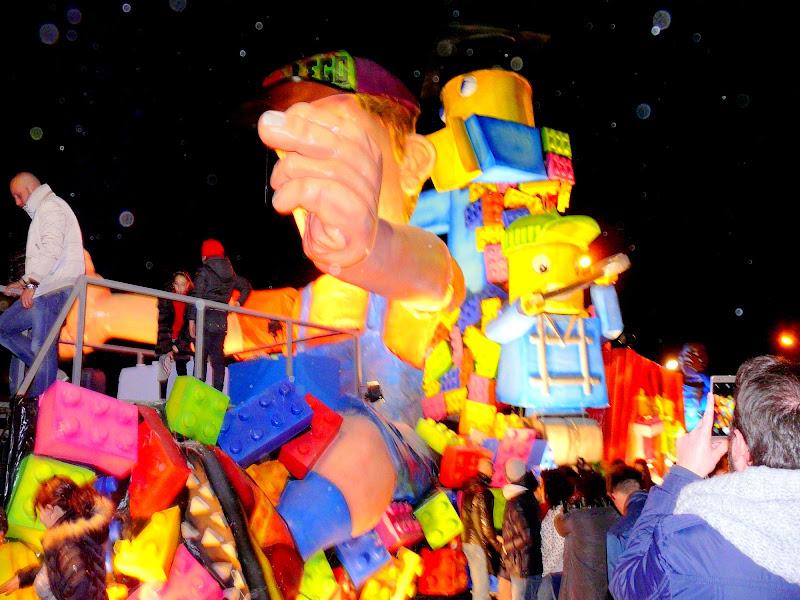 Carnevale in costruzione Lego di Mario Romano