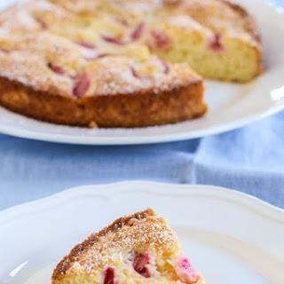 Norwegian Rhubarb Cake (Rabarbrakake)