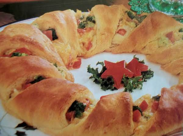Chicken Crescent Wreath Recipe