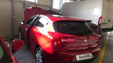 Photo: Przyciemnianie szyb kraków: Alfa Romeo Giulietta przyciemnianie szyb CFO&Venaplex.pl.