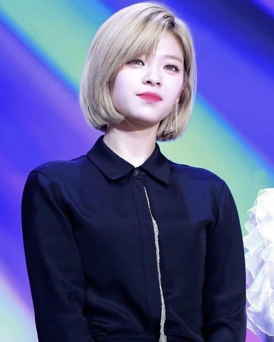 jeongyeon blonde 2